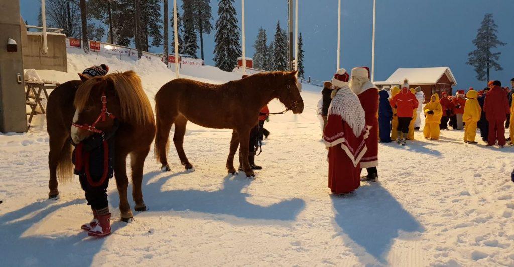 Ruska Laukan tallilta tapahtumissa vierailuja suomenhevosilla Ruka-Kuusamossa