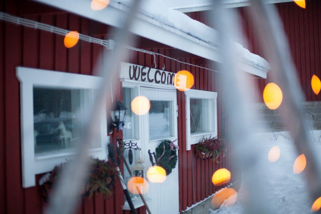 Ruska Laukka tallin pihapiiristä kesä- ja talvikuvia Ruka-Kuusamossa